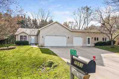 Verona Single Family Home For Sale: 7553 Hickory Hill Pl