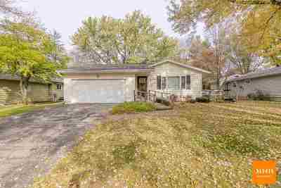 Lodi Single Family Home For Sale: 206 Sunset Dr
