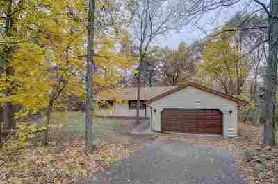 Middleton Single Family Home For Sale: 7826 Wildlife Tr