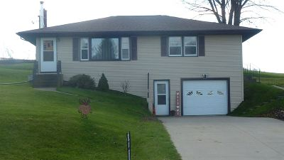 Cuba City Single Family Home For Sale: 3467 County Road H