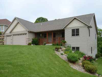 Iowa County Single Family Home For Sale: 102 Savannah Cir