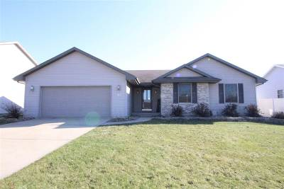 Janesville Single Family Home For Sale: 1116 Edgeview Dr