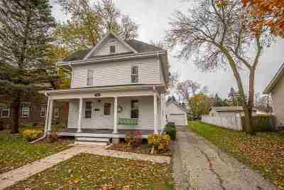 Waunakee Single Family Home For Sale: 306 W 2nd St