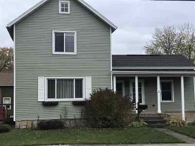 Dodge County Single Family Home For Sale: 212 S Lincoln Ave