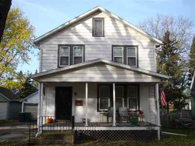 Dodge County Single Family Home For Sale: 126 Cleveland St