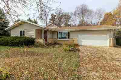 Cambridge Single Family Home For Sale: 2765 Evergreen Dr