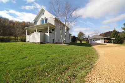 Richland Center Single Family Home For Sale: 20840 Tuckaway Valley Rd
