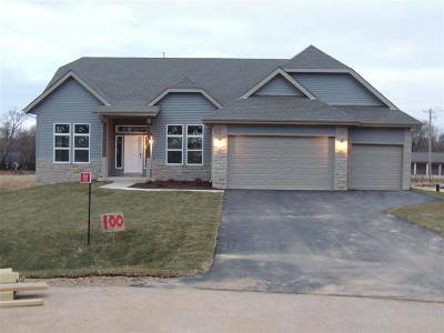 Rock County Single Family Home For Sale: 702 E Dereck Woods