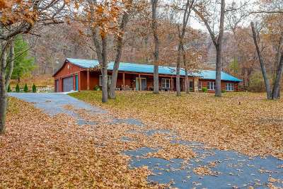 Sauk County Single Family Home For Sale: E9110 Oakleaf Ln