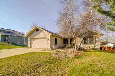 Oregon WI Single Family Home For Sale: $249,900