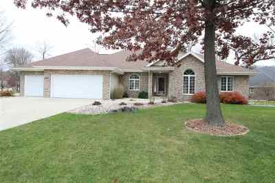 Janesville Single Family Home For Sale: 3915 Capella Dr