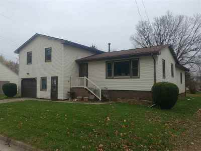 Cassville Single Family Home For Sale: 108 W Bluff St