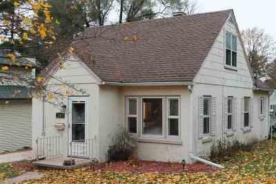 Edgerton Single Family Home For Sale: 16 Blanchard St