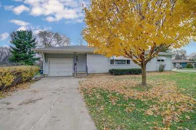 Sun Prairie Single Family Home For Sale: 842 Columbus St