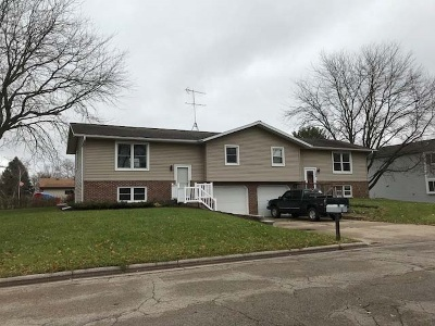 Sauk City WI Single Family Home For Sale: $179,900