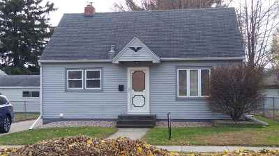 Janesville Single Family Home For Sale: 1617 Linden Ave