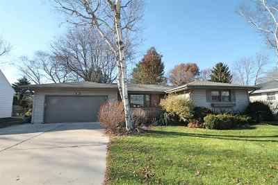 Janesville Single Family Home For Sale: 819 N Wright Rd