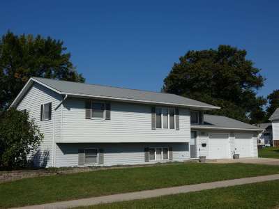 Cuba City Single Family Home For Sale: 211 S Jackson St