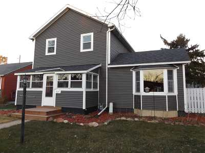 Wisconsin Dells Single Family Home For Sale: 1024 Church St