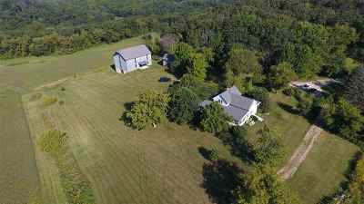 Iowa County Single Family Home For Sale: 5318 Rickey Rd