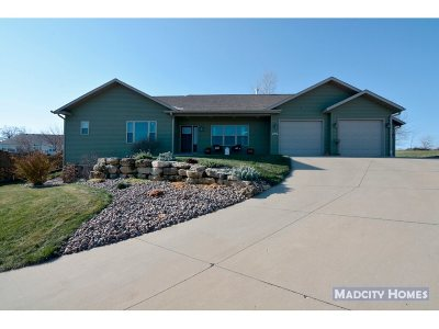 Mount Horeb Single Family Home For Sale: 512 Steiner Ct