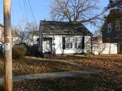 Rock County Single Family Home For Sale: 807 Moore St
