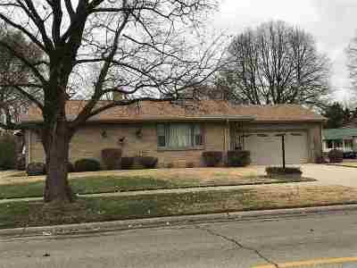 Janesville Single Family Home For Sale: 404 Rockport