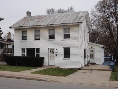 Platteville Single Family Home For Sale: 135 N Water St