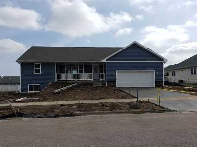 Baraboo WI Single Family Home For Sale: $279,900