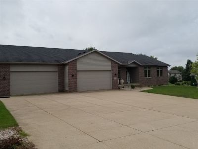 Sun Prairie Single Family Home For Sale: 3029 Bunker Vw