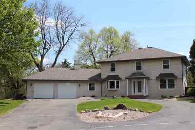 Janesville Single Family Home For Sale: 1000 Laramie Ln