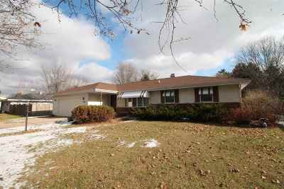 Rock County Single Family Home For Sale: 1212 N Wuthering Hills Dr