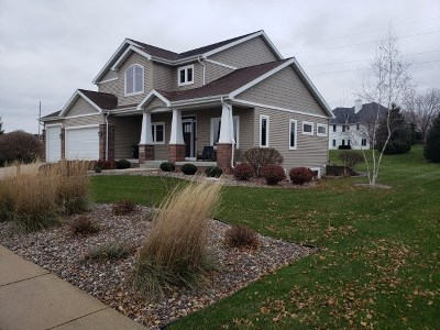 Cottage Grove Single Family Home For Sale: 906 Stoney Hill Ln