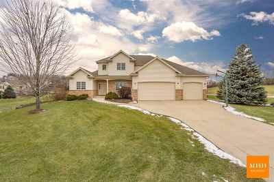 Middleton Single Family Home For Sale: 4861 Highwood Cir