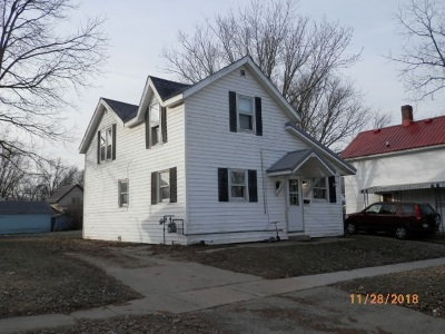 Richland Center Multi Family Home For Sale: 315 W 4th St