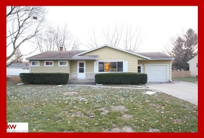 Monona Single Family Home For Sale: 402 Frost Woods Rd
