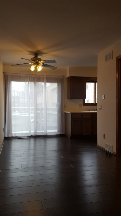 Madison WI Condo/Townhouse For Sale: $139,900