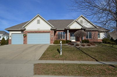 Middleton Single Family Home For Sale: 9714 Fallen Leaf Dr