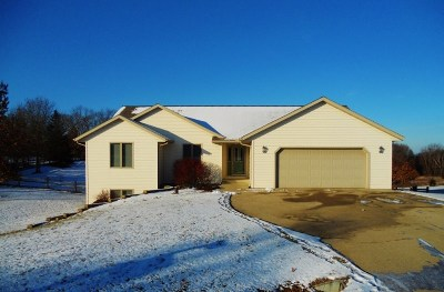 Pardeeville Single Family Home For Sale: N6907 Bobbi Rd