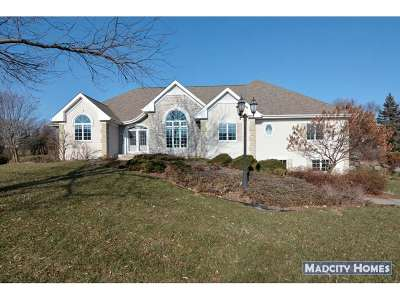 Waunakee Single Family Home For Sale: 5622 Cobblestone Ln
