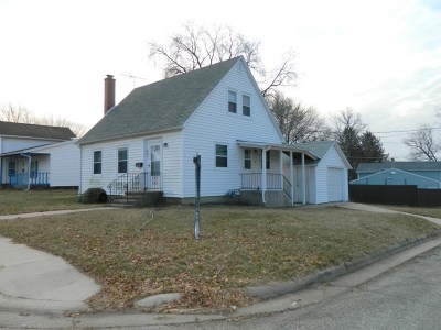 Green County Single Family Home For Sale: 802 10th- 1/2 St