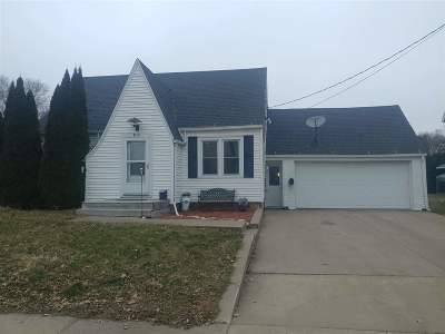 Lancaster WI Single Family Home For Sale: $120,000