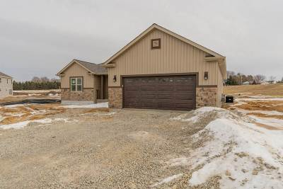 Jefferson County Single Family Home For Sale: 210 Crestview Ln