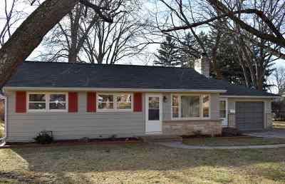 Monona Single Family Home For Sale: 206 Frost Woods Rd
