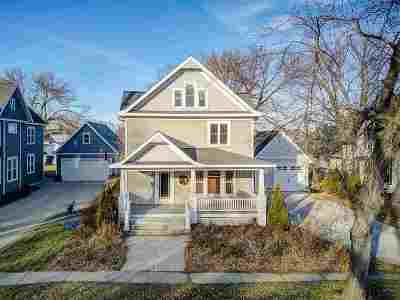 Waunakee Single Family Home For Sale: 107 W 2nd St