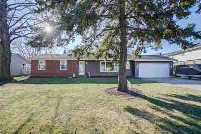 Sun Prairie Single Family Home For Sale: 1427 Coral Dr
