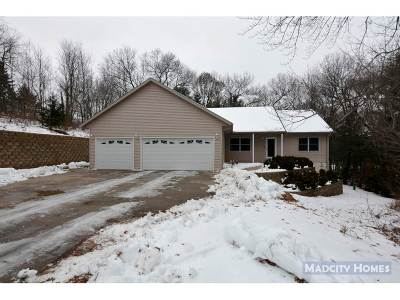 Wisconsin Dells Single Family Home For Sale: S881 Christmas Mountain Dr