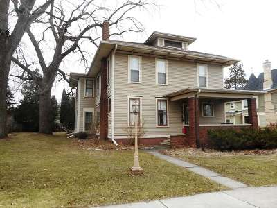 Stoughton Single Family Home For Sale: 312 N Page St