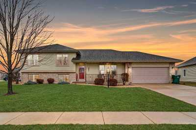 Cottage Grove Single Family Home For Sale: 308 Lindsay Way