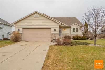 Sun Prairie Single Family Home For Sale: 3064 Bull Run